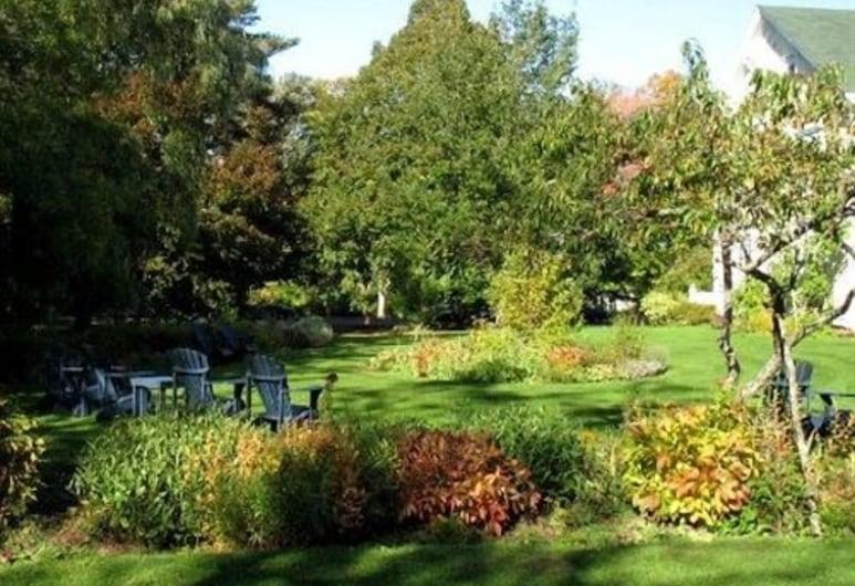 Hillsdale House Inn, Annapolis Royal, Chambre Double Standard, salle de bains attenante, vue jardin (Room 8), Enceinte de l'établissement