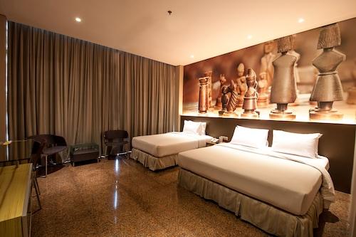 Book Fm7 Resort Hotel Jakarta In Tangerang Hotels Com