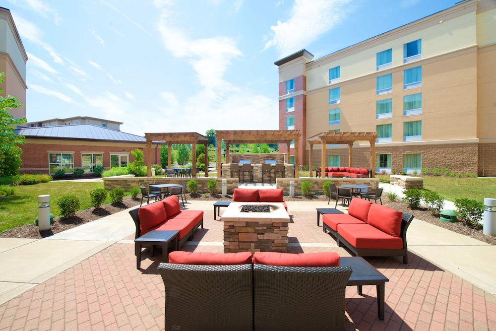 Homewood Suites By Hilton Pittsburgh Southpointe, Canonsburg, BBQ/Picnic  Area
