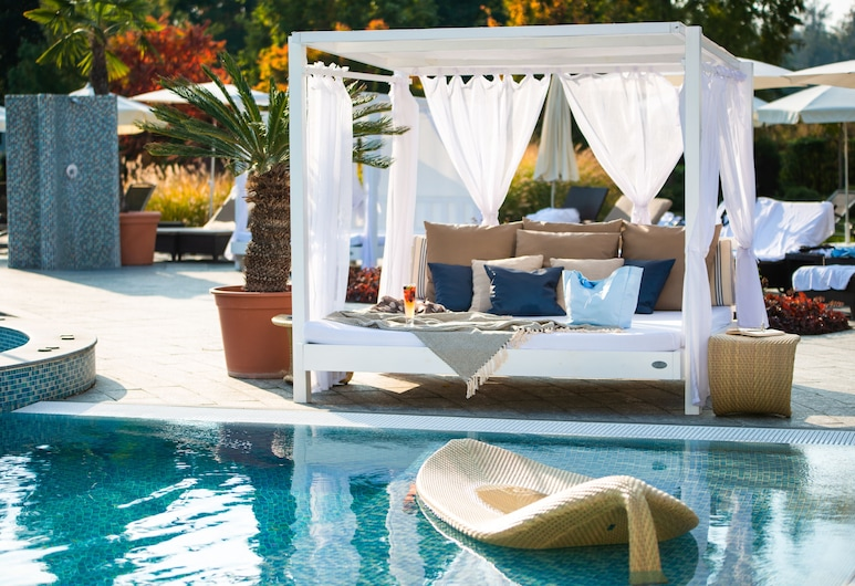 Spirit Hotel Thermal Spa, Сарвар, Открытый бассейн