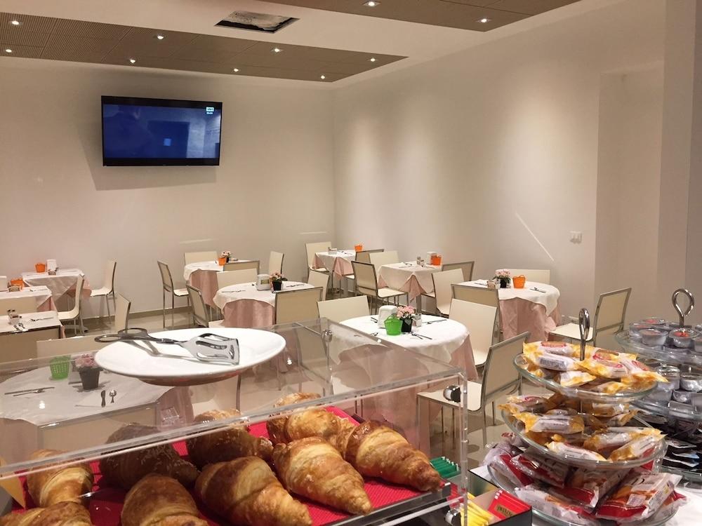 Prenota Hotel Bel Soggiorno a Genova - Hotels.com