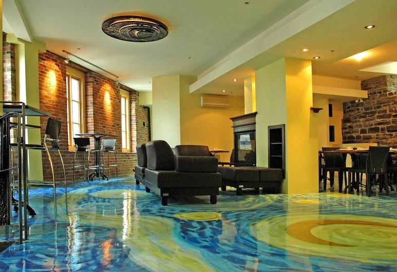 Hotel Le Vincent, Quebec, Hala