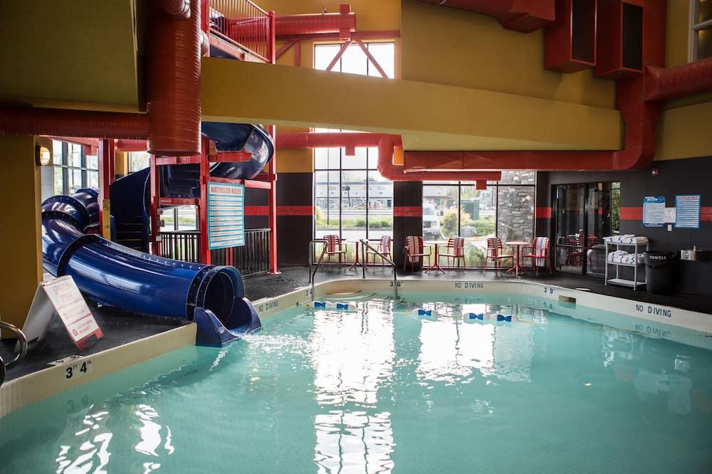 屋内 / 屋外プール
