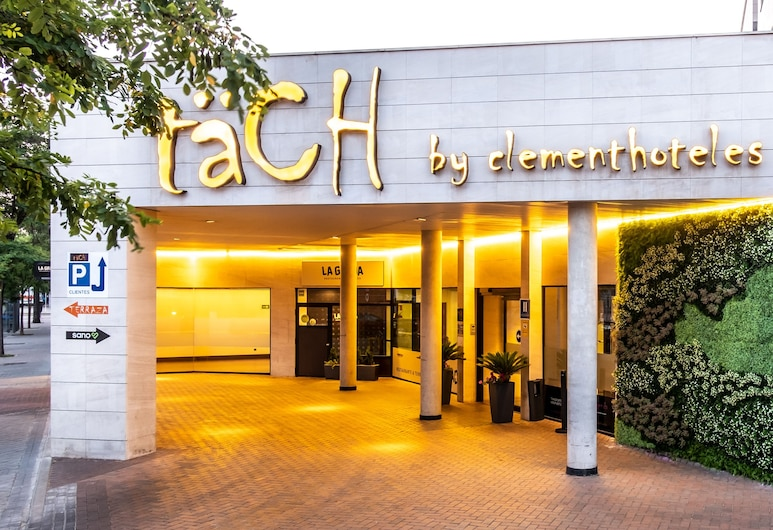 Hotel Tach Madrid Airport, Madrid, Voorkant hotel