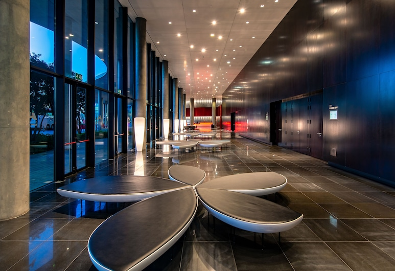 Hotel Porta Fira, L'Hospitalet de Llobregat, Sittområde i lobbyn