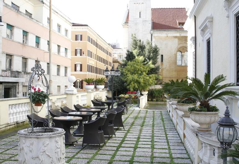 Villa Pinciana, Rome, Property Grounds