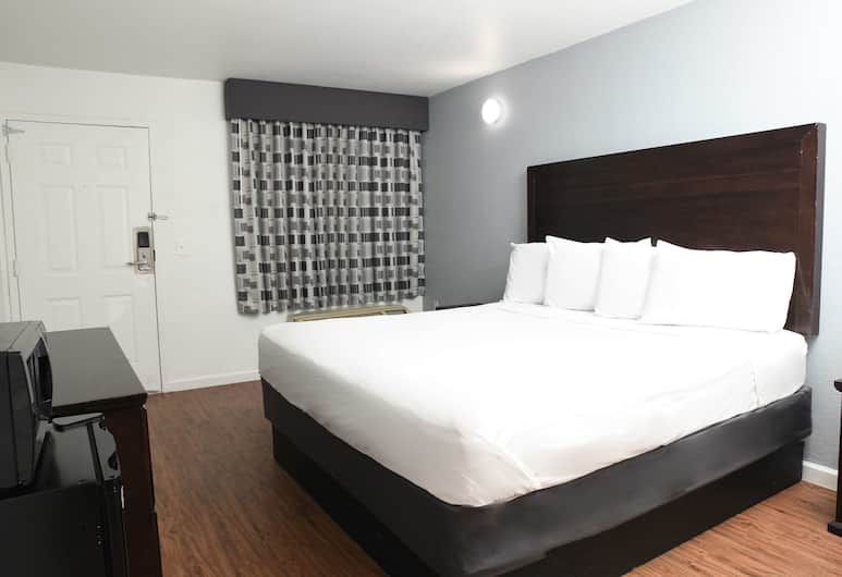 Americas Best Value Inn Baton Rouge Airline, Baton Rouge, Room, 1 King Bed, Accessible, Non Smoking, Guest Room