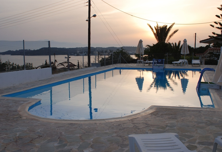 Long View Resort & Spa Rooms & Apartments, Ermionida, Apartamento Standard, Piscina Exterior