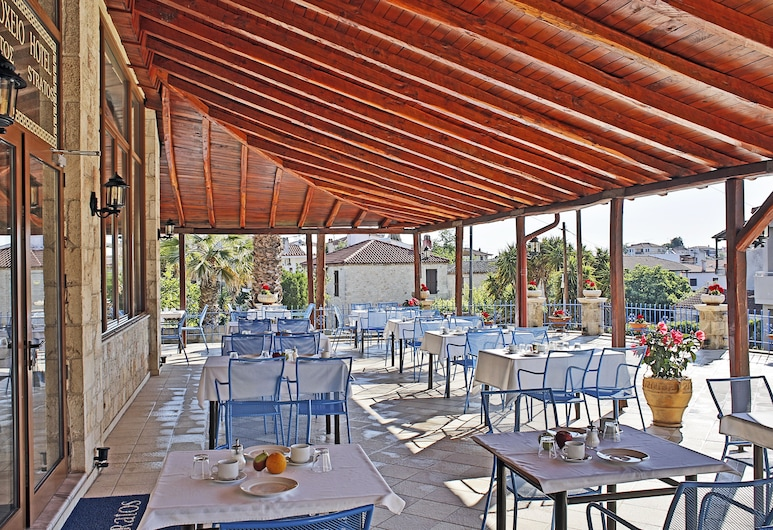Stratos Hotel, Κασσάνδρα, Αίθριο/βεράντα