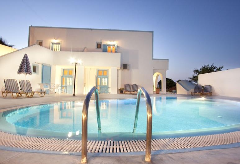 Villa Pelekanos, Santorini, Outdoor Pool