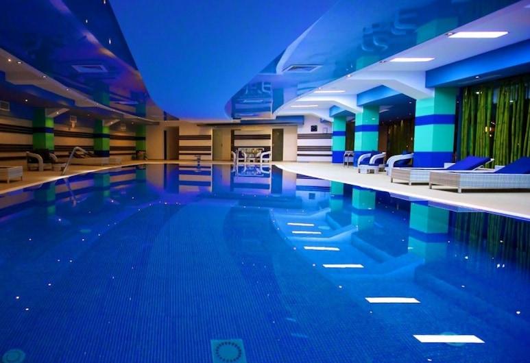 دلتا 3 هوتل, تولسيا, حمام سباحة
