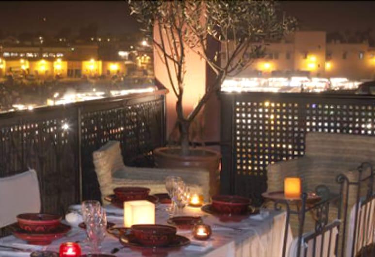 Riad Andalla, מרקש, ארוחה בחוץ