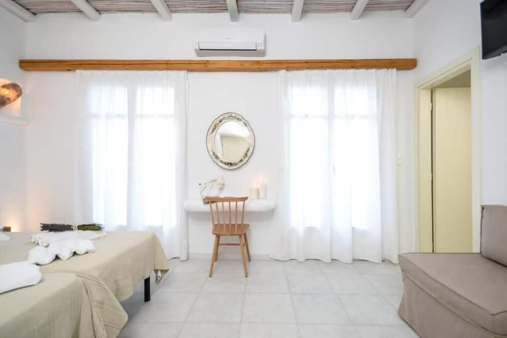 Family Quadruple Room (No View) - Living Room