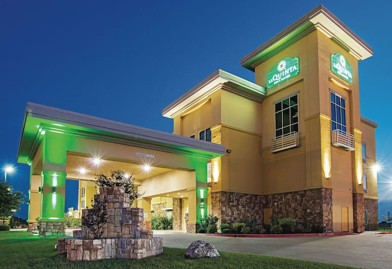La Quinta Inn & Suites by Wyndham Ft. Worth - Forest Hill TX, Fort Worth, Buitenkant