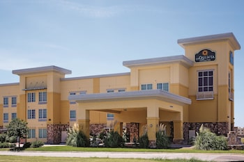 Picture of La Quinta Inn & Suites Ft Worth - Forest Hill in Fort Worth
