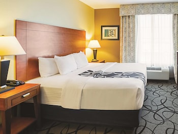Foto La Quinta Inn & Suites by Wyndham Ft. Worth - Forest Hill TX di Fort Worth