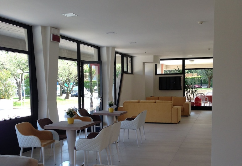 Hotel Residence Holiday, Sirmione, Lounge della hall