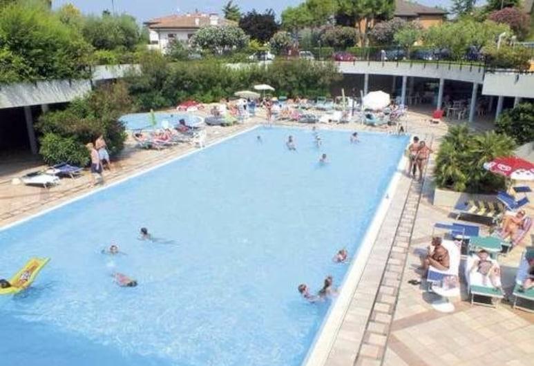 Hotel Residence Holiday, Сирмионе, Закрытый бассейн