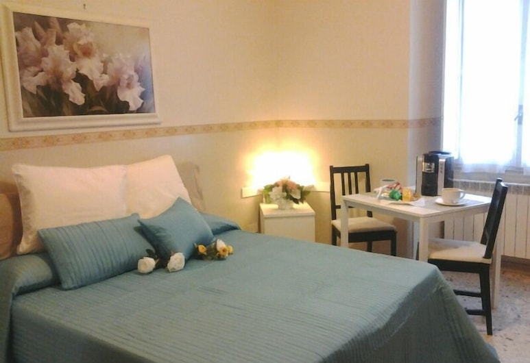 Inn Centre, Rome, Standard Double Room, Guest Room