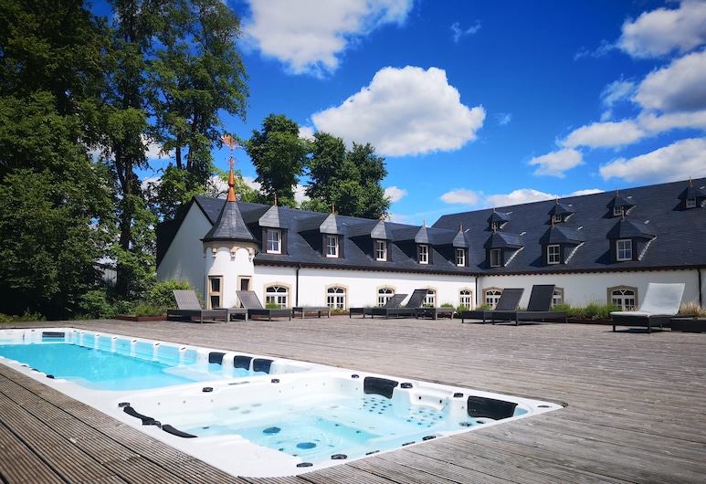 Chateau d'Urspelt, Clervaux, Outdoor Pool