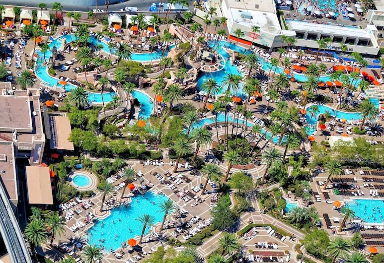 The SKYLOFTS at MGM Grand, Las Vegas, Bassein