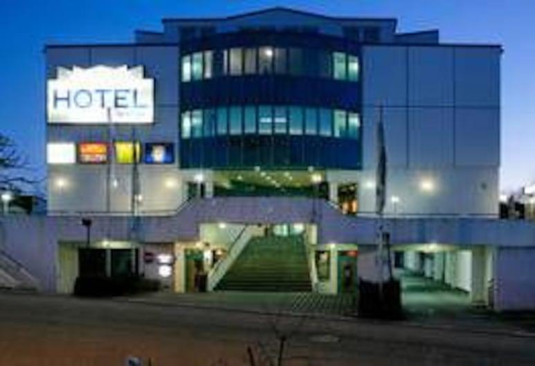 Hotel Le Village, Winnenden, Hotel Front – Evening/Night