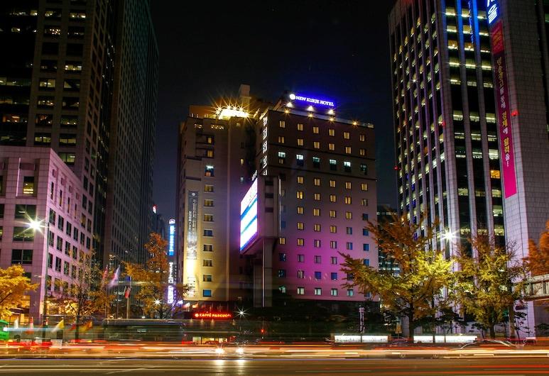 新國際飯店, 首爾, 飯店入口 - 夜景