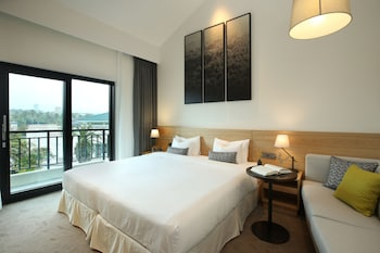 Picture of The Suites Hotel Jeju in Seogwipo
