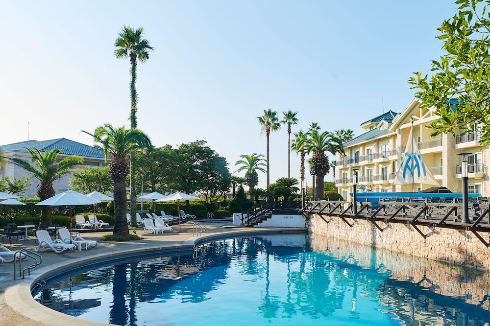 The Suites Hotel Jeju