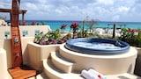 Choose This Five Star Hotel In Playa del Carmen