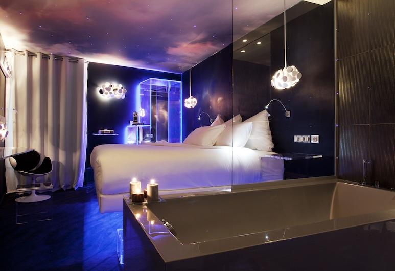 Seven Hotel Paris, Paris, Deluxe Designer , Guest Room