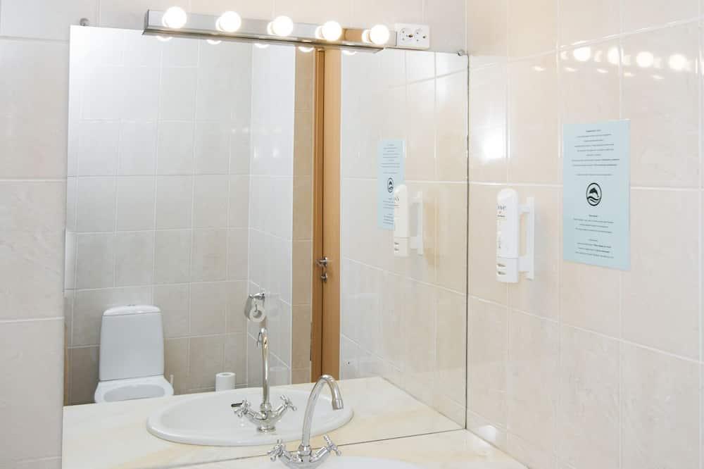 Korter läbi kahe korruse - Vannituba