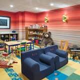 Área de juegos infantiles cubierta
