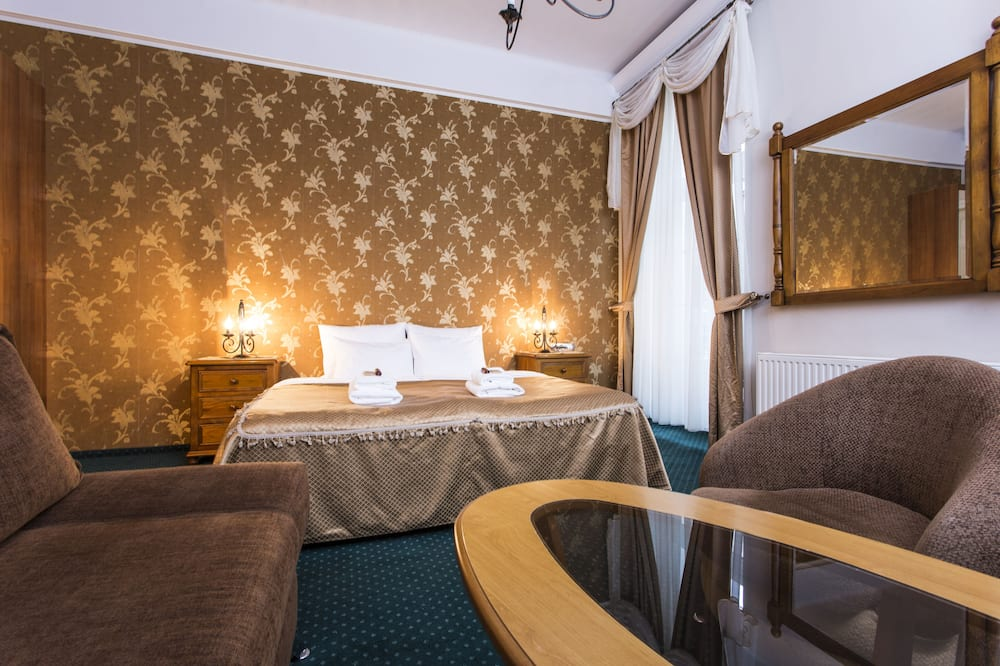 Classic Double or Twin Room, City View - Room