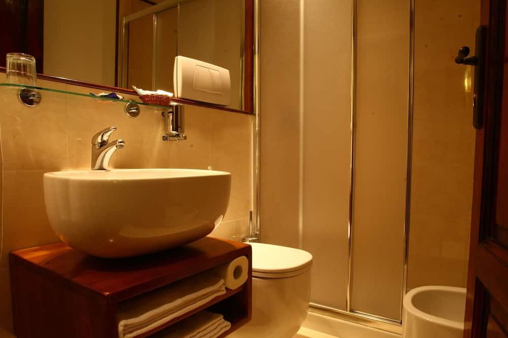 Double Room with External Bathroom - Bathroom