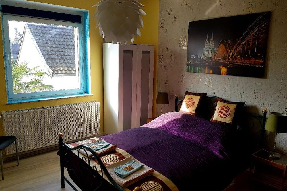 Economy Double Room with WC & washbasin, no shower - Svečių kambarys