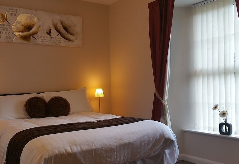 The Begelly Arms, Kilgetty, Double Room, Ensuite, Guest Room