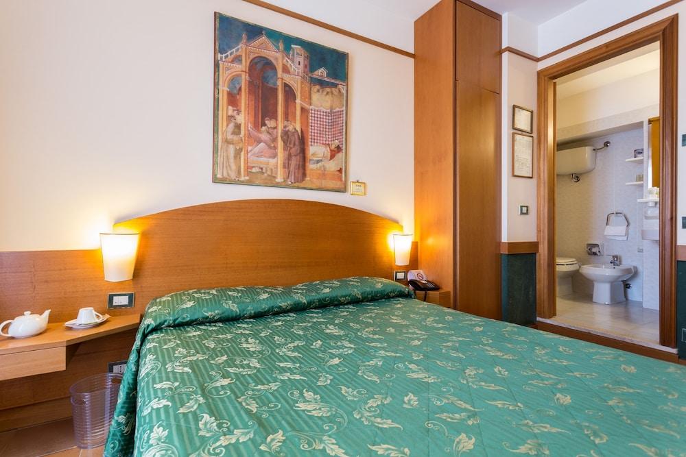 Book Hotel Ristorante La Terrazza in Assisi   Hotels.com