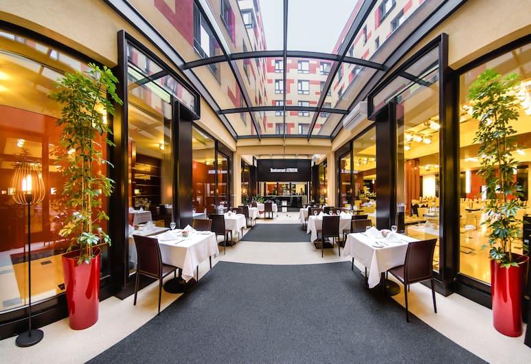 Grand Majestic Plaza, Prague, Restoran
