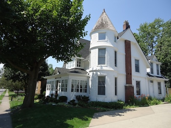 Picture of Absolute Elegance Bed & Breakfast in Niagara Falls