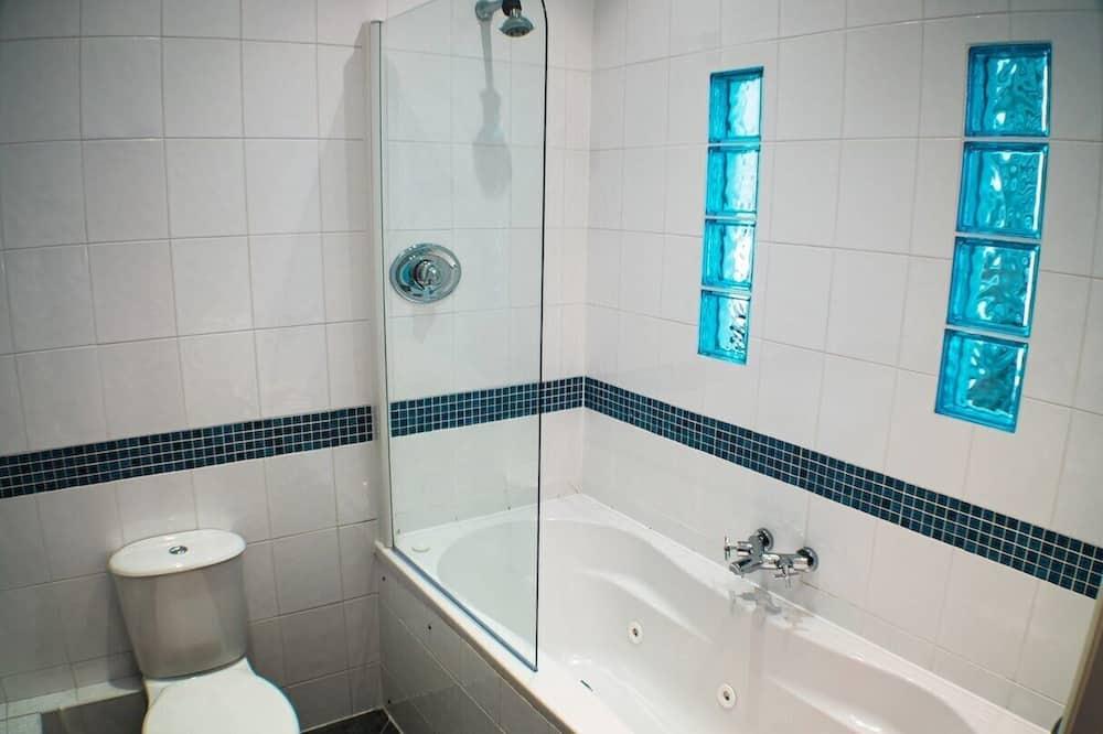 Pokój dwuosobowy z 1 lub 2 łóżkami, z łazienką - Łazienka