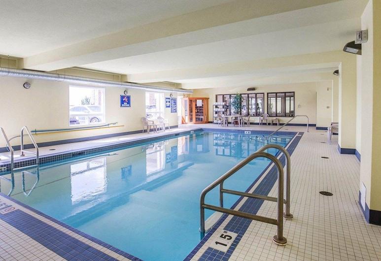 Comfort Inn & Suites, Airdrie, Kolam Renang
