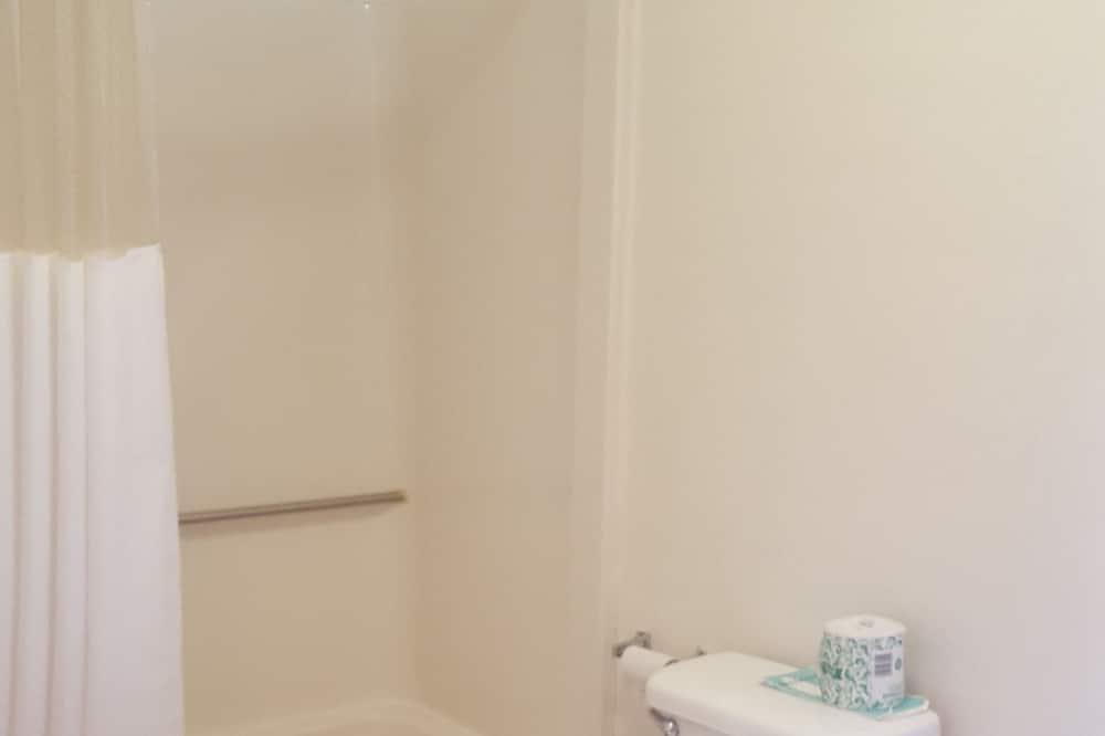 Chambre Standard, 2 lits doubles, fumeurs - Salle de bain