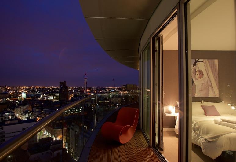 Staying Cool at  Rotunda, Birmingham, Penthouse, 2 sypialnie, balkon, Pokój