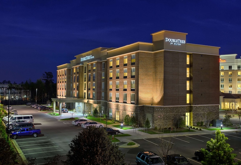 DoubleTree by Hilton Hotel Raleigh-Cary, קארי