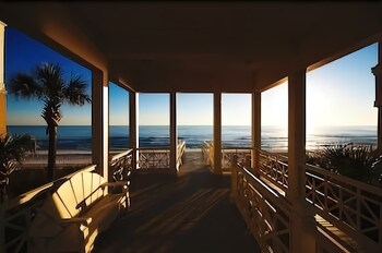 Picture of Carillon Beach Resort Inn in Panama City Beach