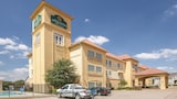 Choose This 2 Star Hotel In Hillsboro