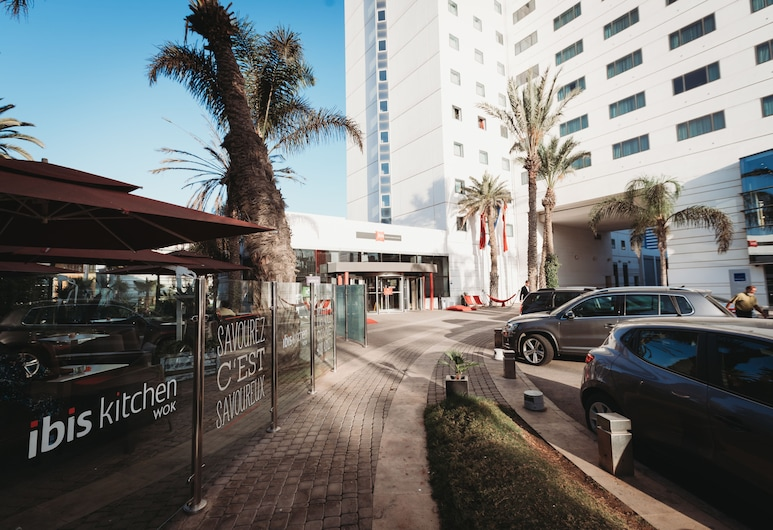 ibis Casablanca City Center, Касабланка, Вхід до готелю