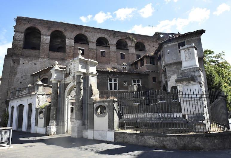 Augustus, Roma, Esterni