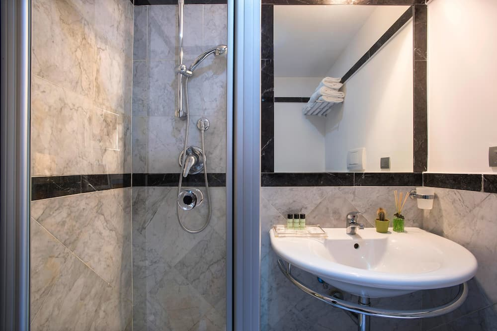 雙人房 (Small) - 浴室